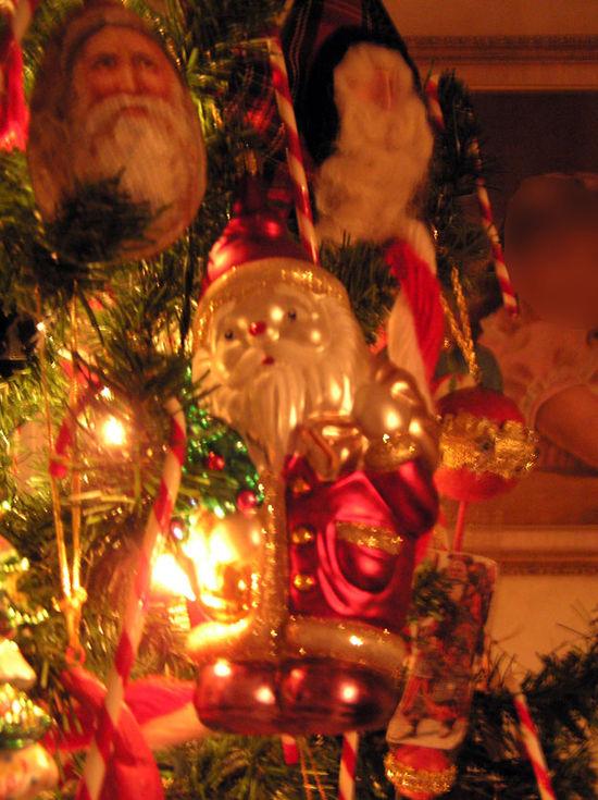Christmas Ornament 2003_edited e-mail-1