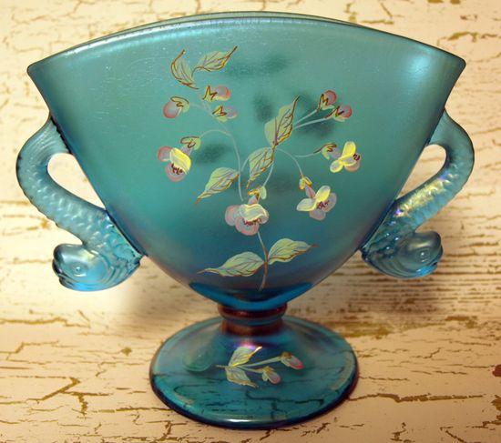 Fenton Dauphin Vase edit e-mail 003
