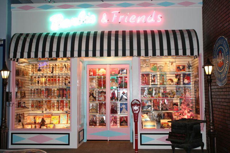 Barbie museum 100