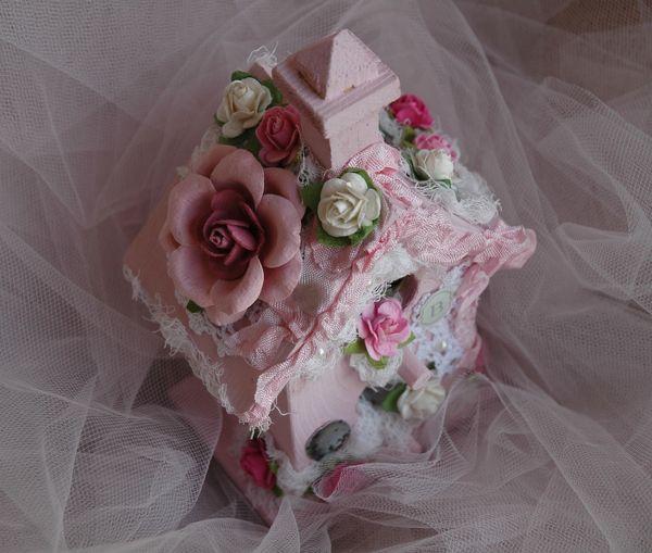 Pink birdhouse1