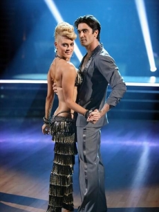 174855_peta-murgatroyd-and-gilles-marini-pose-during-week-2-of-dancing-with-the-stars-all-stars-oct-1-2012