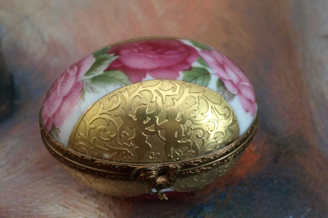 Gold Limoges Egg 001 edit