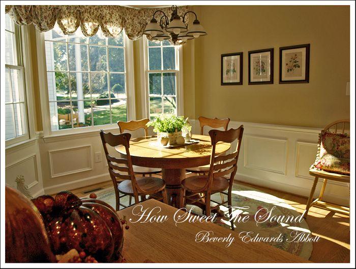 Autumn Breakfast Room