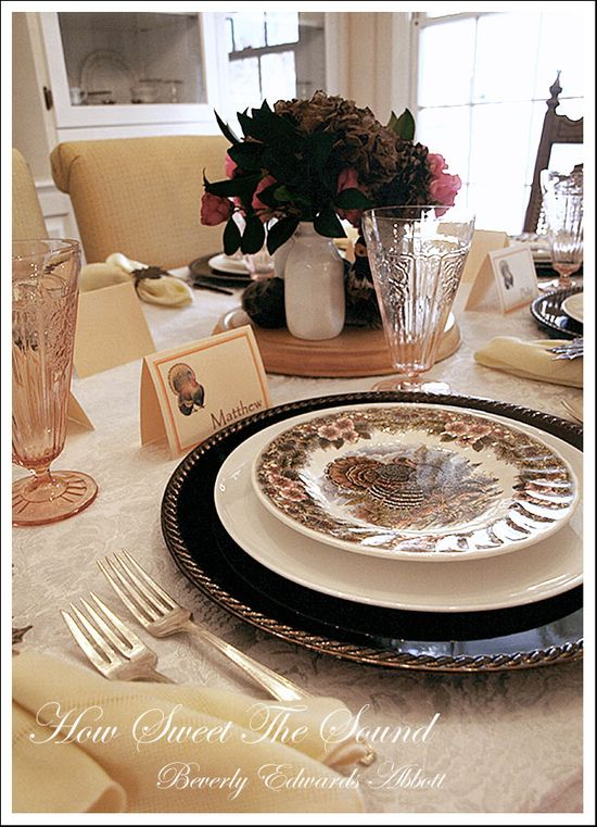 Thanksgiving Dining Room Tablescape 4