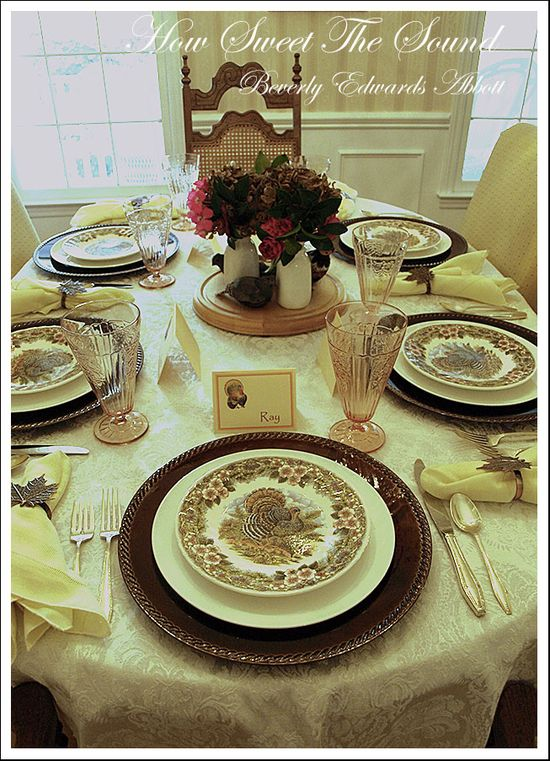 Thanksgiving Dining Room Tablescape 3
