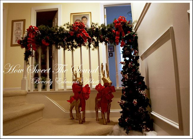 Christmas Upstairs Landing (12)