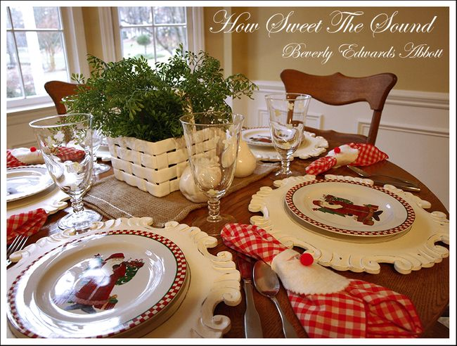 Christmas Breakfast Room Tablescape 2
