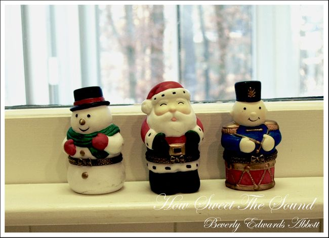 Christmas Kitchen Window Sill