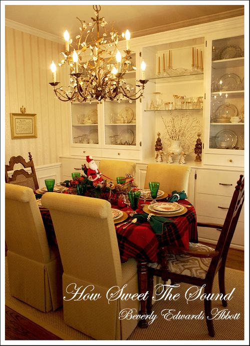 Christmas Day Dining RoomTablescape