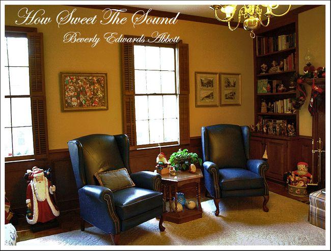 Christmas Family Room Chair Wall