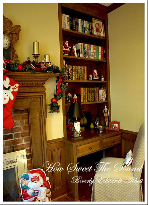 Christmas Family Room Built In Right