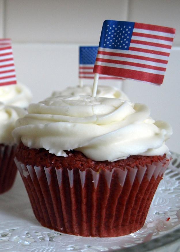 July 4 Red Velvet Cupcakes